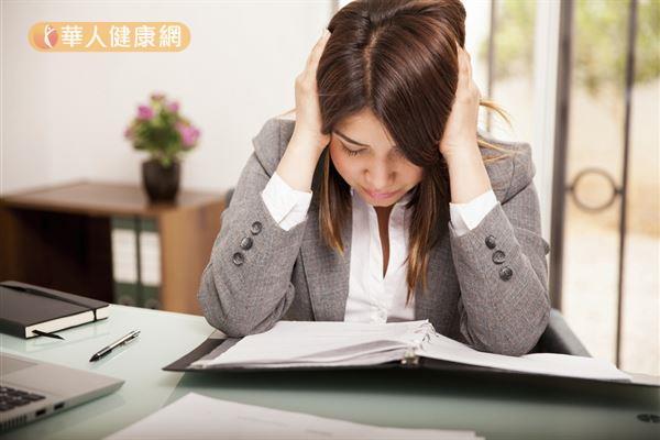 壓力大、緊張、焦慮等情緒都可能會影響女性生理機能,增加不孕與流產的機率。