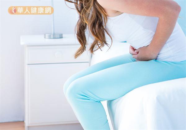 蔡怡瑄營養師表示,女性朋友生理期間多食用下列能幫助「快樂荷爾蒙」血清素合成的色胺酸、鈣質、維生素B群等營養素,就是不錯的舒緩選擇。