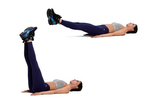 雙腿呈90度抬起。腹部用力,放下雙腿,感受抵抗的力量,當腿碰到地板前,再次抬起來。注意腰不要過度抬起。(圖片/瑞麗美人國際媒體提供)