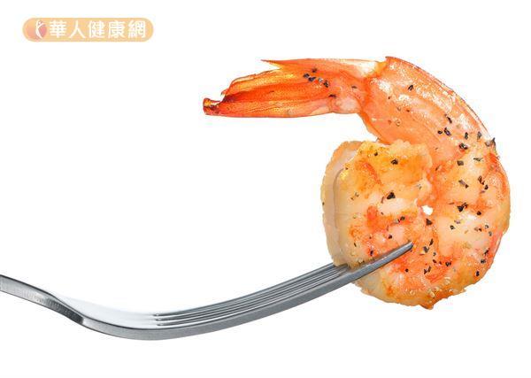 蝦子、螃蟹、干貝等海鮮富含蛋白質、鋅、鐵、鈣、鎂、鉀等營養素,能幫助增強抵抗力、預防感染。