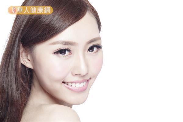 臉部刮痧可刺激經絡,間接調節臟腑平衡,對於改善皮膚狀況也有幫助。