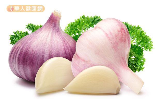 根據研究發現,一天一瓣大蒜,可降低膽固醇。