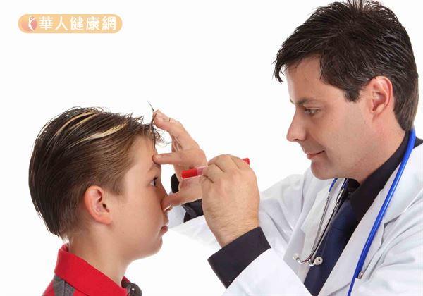 避免近視惡化,戴角膜塑型片就對了?這些Q&A非知不可