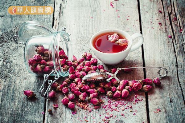 玫瑰花只要沒有農藥,本身就有舒肝理氣和活血的作用。