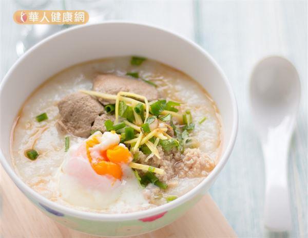 冬天控制食慾的第一步驟就是先吃頓豐盛又有飽足感的早餐。